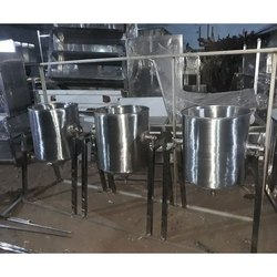 Silver Rice Vessels, Capacity: 10 - 15 Kg, For Kitchen