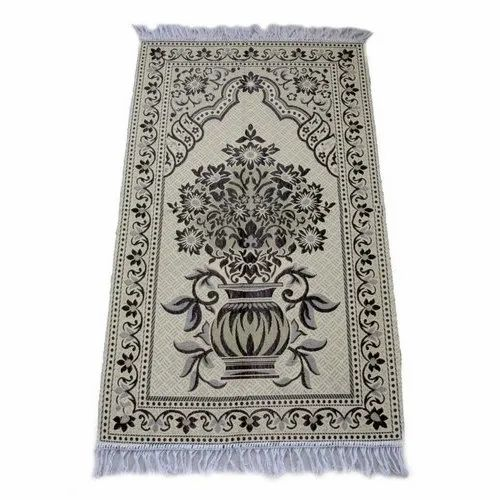 Multicolor Mosque Prayer Carpet, Size: 5x7 feet, Packaging Type: Packet