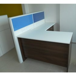 Executive L Table with Partition KO-EXT-133