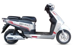 Hero Nyx E2 Electric Scooty