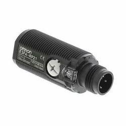 E3FA-RP21 Omron Photoelectric Sensor