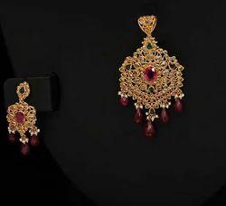 Party Uncut Diamond Pendants And Earrings
