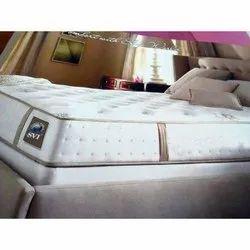 睡觉的床垫