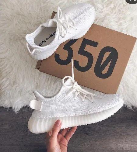 Men Adidas Yeezy Sports Shoes, Size: 7