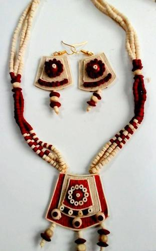 Creative Handicraft Black and White Jute Necklace With Earrings, Rs 90  /piece   ID: 19819595533