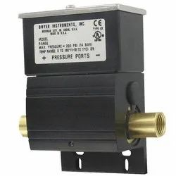 Dwyer DXW-11-153-3  Differential Pressure Switch