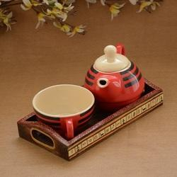 Ceramic Single Pot With Wooden Base