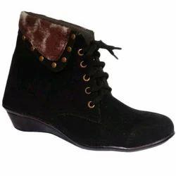 Ladies Black Ankle Boots, Size: 7-11