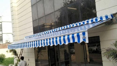 Retractable Awnings with Hood