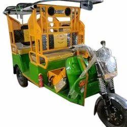 Battery Operated Rickshaw in Ludhiana, बैटरी से