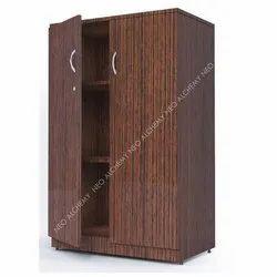 木棕色双门衣柜