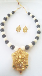 Temple Necklace Set