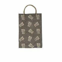 Linen Carry Bag (M) - beige twig leaf print, jute rope handles