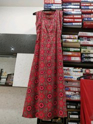 Women Dresses in Hoshiarpur, महिलाओं के कपड़े