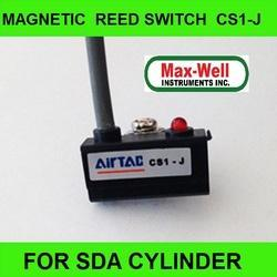 CS1-J Red LED Pneumatic Cylinder Magnetic Sensor Reed Switch