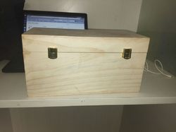 Lal10 Pinewood box, Size (Inches): Customizable