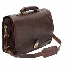 Akshita Brown Traveling Bag