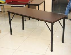 Restaurant and Banquet Tables, Size: 4 feet