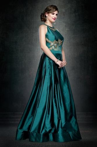 0f6bb188ff02 Women Satin Partywear Gown