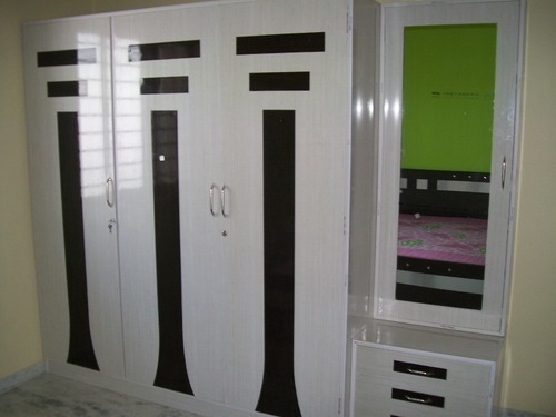 White Black Bedroom Wardrobe Door Rs 450 Sqft Subashree