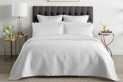 Bed Cover White And Printed