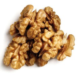 Dry Walnut, Packing Size: 25 Kg, Packaging Type: PP Bag