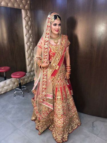 64d4f112e8 Red Golden All Sizes Bollywood Bridal Lehenga On Rent, Rs 7600 ...