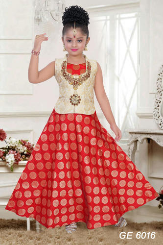 1b6604931b Kids Brocade Red and Off White Designer Embroidered Lehenga, Size: 24 to 38