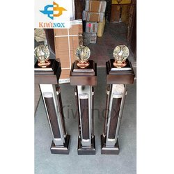 Stainless Steel Wooden Master Pillar
