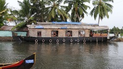 Alleppey Kerala Houseboat Packages, No of Persons: 6