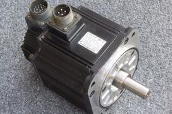 Yaskawa Sigma-II Series AC Servo Motor