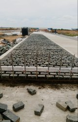 Grey Granite Belgian Paves Laid, Thickness: 100mm (+/-10mm), for Landscaping