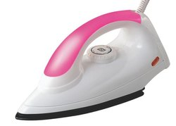 750 W Plastic Ruby Electric Iron, Packaging Type: Box