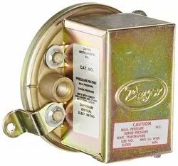Dwyer Series 1920-10 Compact Low Differential Pressure Switch Range 4.0-20.0 W.C