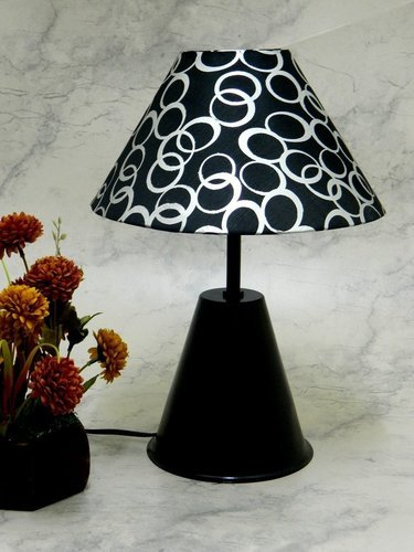 Metallic Table Lamps - Black Designer Table Lamp with 10 ...