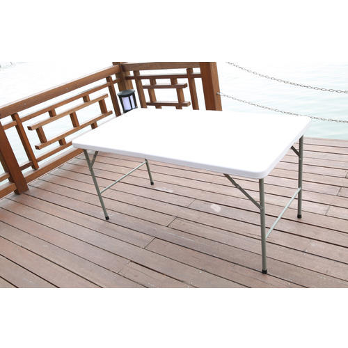 HDPE Table Top Rectangular Folding Table, Size: 4 feet