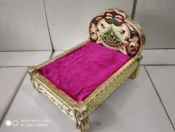 Decorative Meenakari Wooden Bed For Religious Gifts