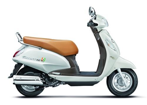 white suzuki access 125 special edition scooter id 16700176512. Black Bedroom Furniture Sets. Home Design Ideas