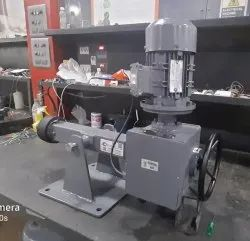 Electric Actuator with Center Truninon