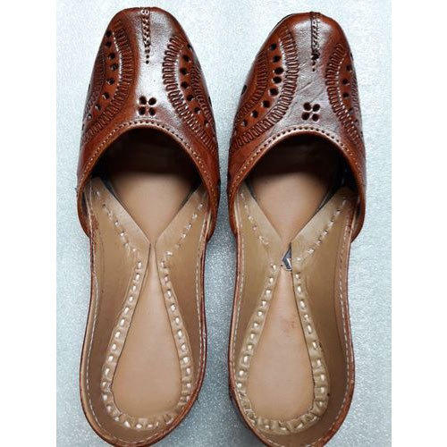 Ladies Brown Punjabi Leather Jutti