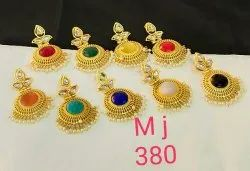 Met stone casual wear earring