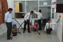 24 Hrs Office Housekeeping Services, Location: Delhi Ncr & Kolkata, Commercial