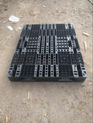 Black Plastic Pallets Renting Services