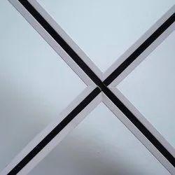 Tee Grid Central Blackline