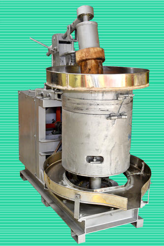 Semi Automatic 15kg Oil Extraction Machine Wc Rs 150000
