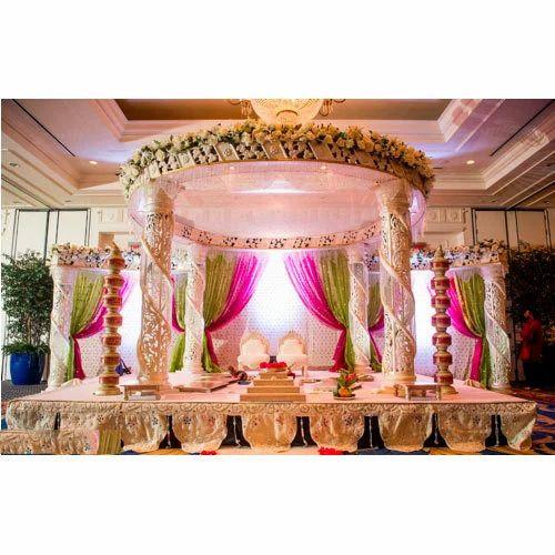 Modern Indian Wedding: Modern Indian Wedding Mandap, मंडप