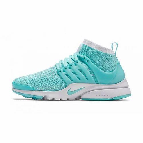 Apariencia Centro de niños Escabullirse  Blue and White Nike Air Presto Ultra Flyknit Sports Shoes For Men's, Size:  41-45, Rs 2999 /pair | ID: 16250973162