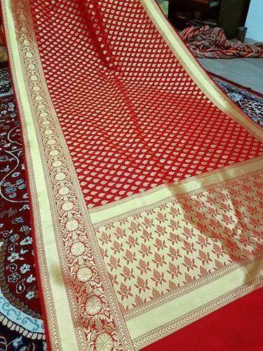 fc52fe9237fc8 Soft Silk Handloom Banarasi Saree With Blouse Piece