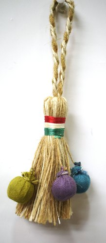 Tamanna Long Jute Tassel for Garment, Packaging Type: Pkt