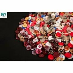 A full colour range available Various varieties Garment Buttons, For Garments, Packaging Type: Packet
